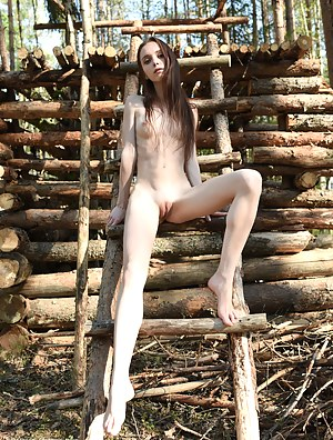Free Skinny Teen Porn Pictures