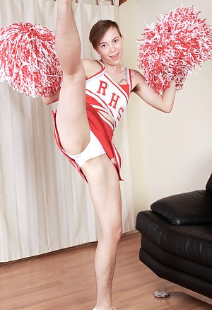 Free Teen Cheerleader Porn Pictures